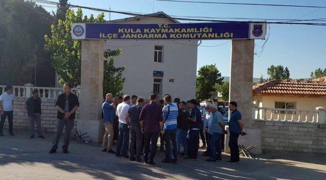 Manisa'da cinnet getiren bir asker koğuşta arkadaşlarına ateş açtı ardından intihar etti