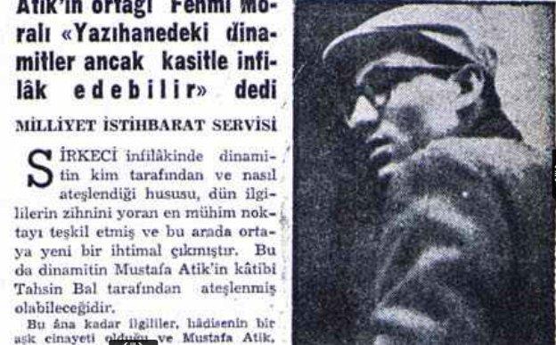Mustafa Atik'in oğlu babasının cesedini teşhis etmeye Adli Tıp'a gelirken... Fotoğraf: Milliyet Gazetesi