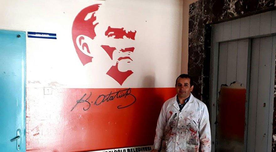 Resim öğretmeni okulun içine dışına Atatürk'ü çizdi