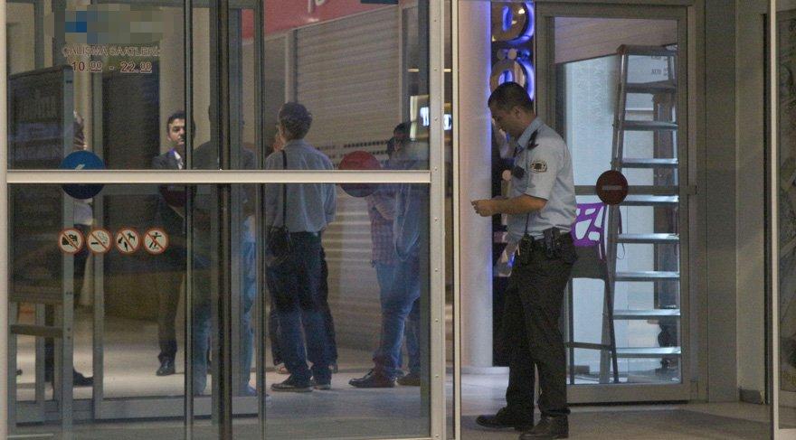 Bakırköy'deki ünlü AVM'de kuyumcu soygunu