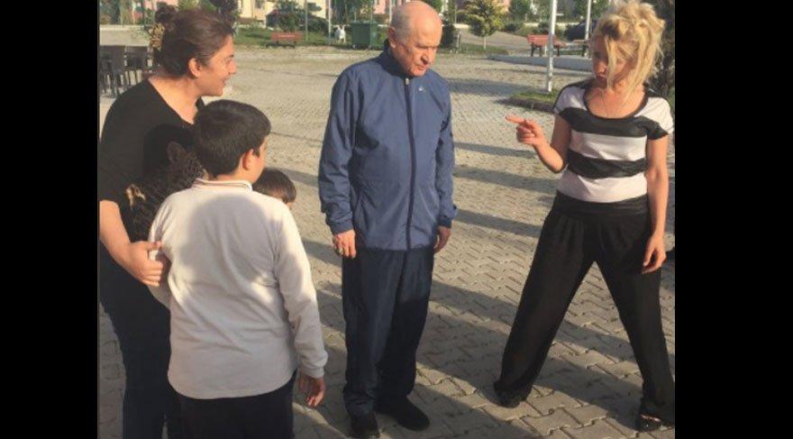 Ahmet Hakan, Bahçeli'nin fotoğrafını fotomontaj sanmış