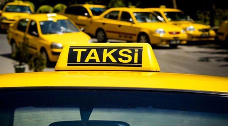 Taksiciler kamera sırasında