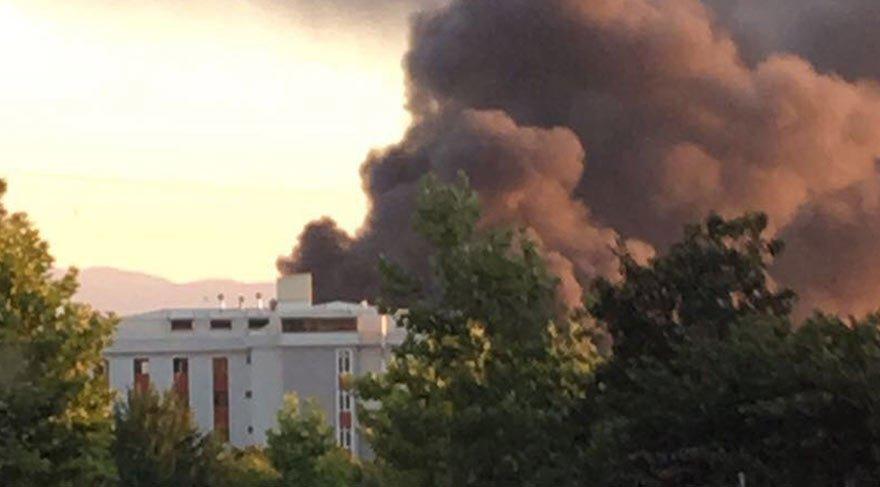 Kauçuk fabrikasında korkutan yangın