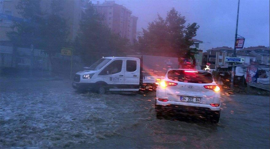 Son Dakika Haberi... İstanbul sağanak yağışa teslim