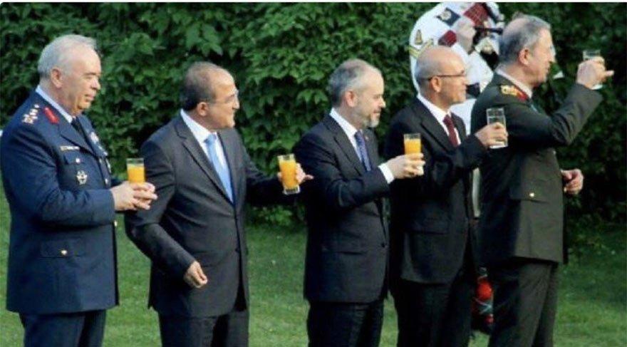 Ertem Şener'e 'kutlama' şoku