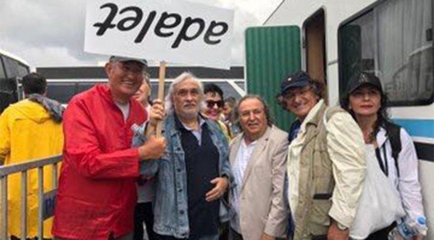 Soldan sağa: CHP İzmir Milletvekili Atila Sertel, Müjdat Gezen, Avukat Celal Ülgen
