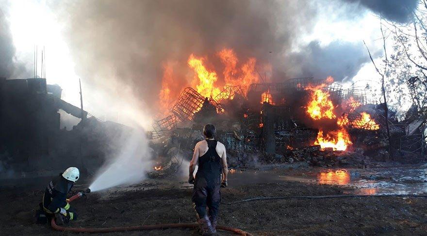Boya fabrikasında yangın çıktı! Ortalık karıştı
