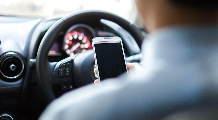 Cep telefonuyla konuşan sürücüler yandı! Artık 'alkol' muamelesi görecek…