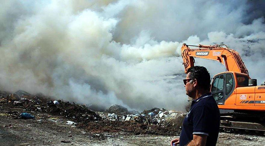 Bodrum'da çöplük yangını gökyüzünü siyaha bürüdü