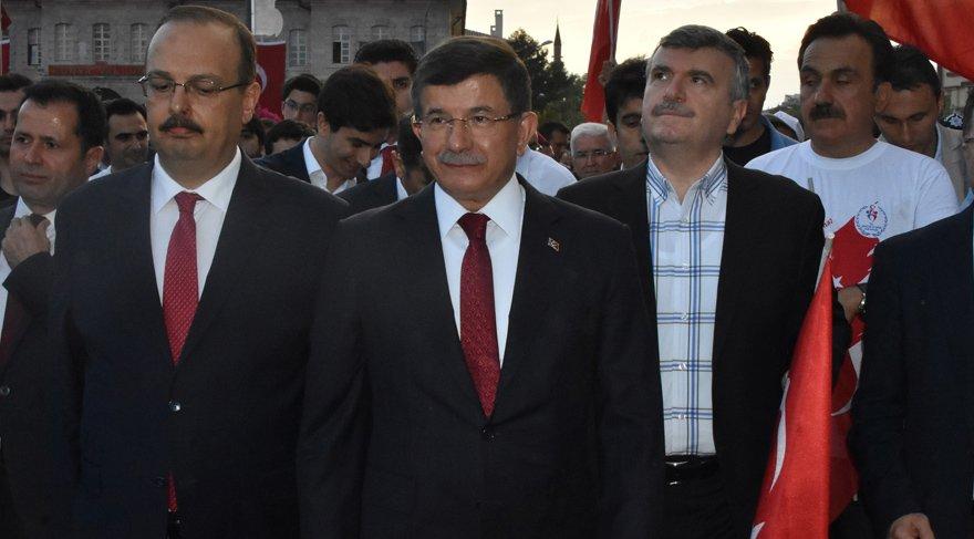 15 Temmuz töreninde Davutoğlu detayı!