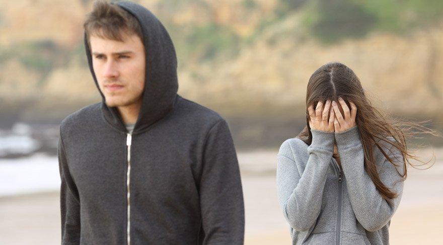 İkizler: İkili ilişkiler ve ortaklıklardan soğukluk, mesafe, sevginin kaybolması, ilişkilerin bitmesi, ortaklıkların bozulması gibi etkiler söz konusu olacak. İkili ilişkilerde krizleri çok dikkatli bir şekilde yönetmeniz gerekmektedir. Değersizlik hissi, yalnızlık hissi söz konusu olabilir.