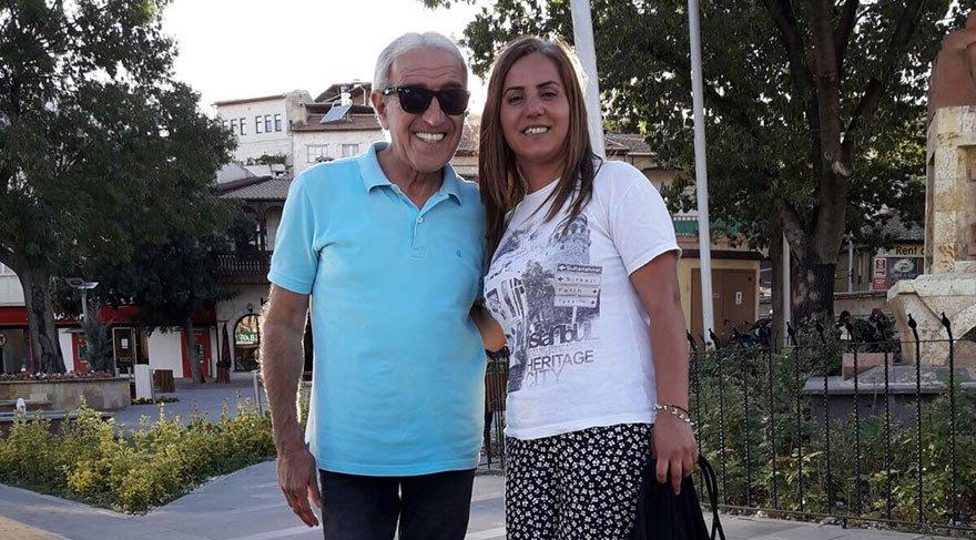 """EN BÜYÜK DESTEKÇİLERİM Akbayram, """"En büyük destekçilerim kızım Türkü ve eşim Ayten Hanım"""" dedi."""