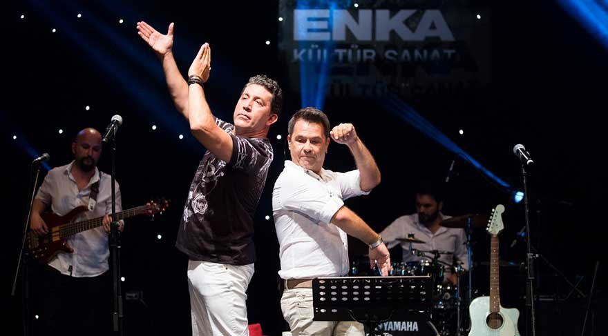 Bora Öztoprak ve Emre Kınay'den 'Sezen şarkıları'