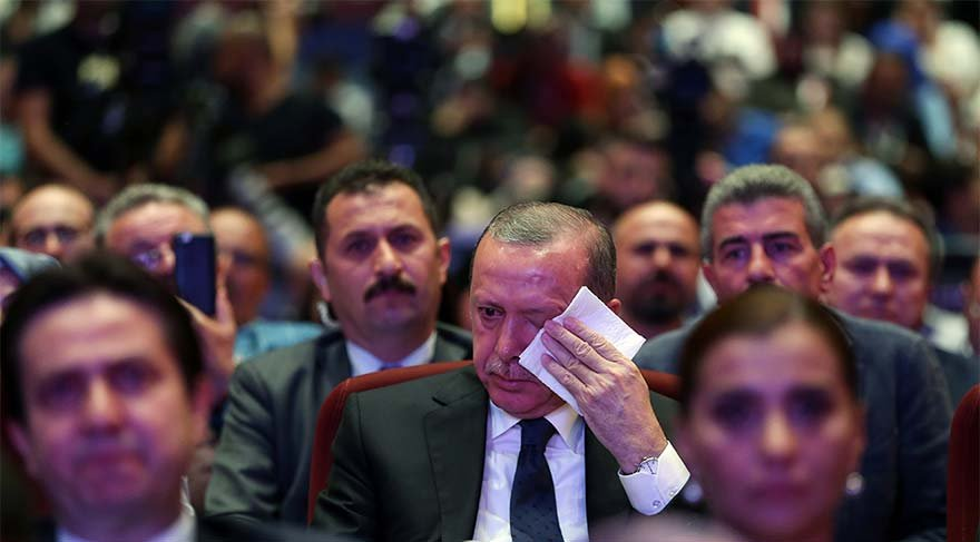 Beştepe'de hüzün... Erdoğan gözyaşlarına boğuldu