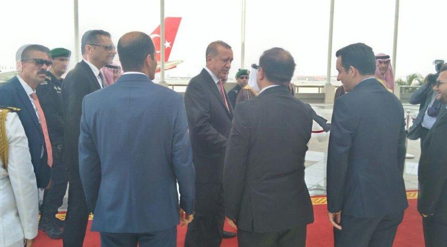 Erdoğan'ın Suudi Arabistan ziyaretinde 'diplomatik' detay