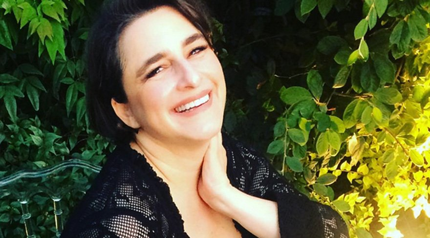 Esra Dermancıoğlu'nun Fransız polisiyle imtihanı