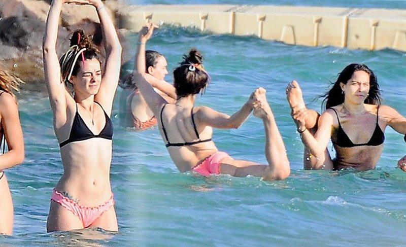 Özge Özpirinçci ve Nilüfer Gürbüz, denizde yoga yaparken görüntülendi