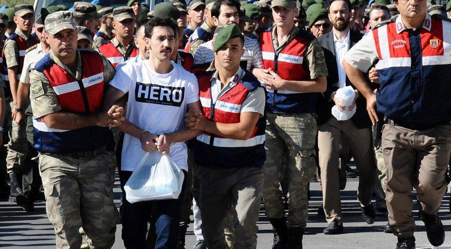 Hero tişörtünün satışı durduruldu