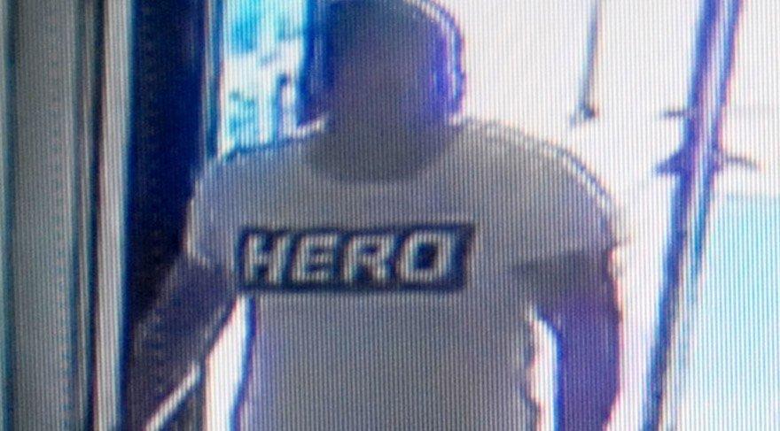 Antalya'da 'HERO' tişörtü giyen garsona gözaltı