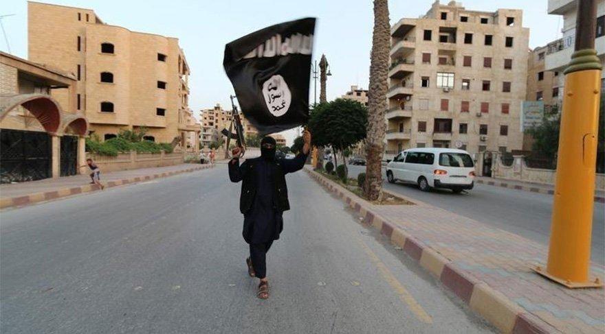 IŞİD'liler kadın kılığında Musul'dan kaçmaya çalışıyor
