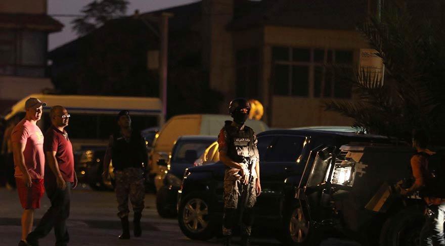 İsrail Büyükelçiliği binası önünde bıçaklı saldırı: 1 ölü, 1 yaralı