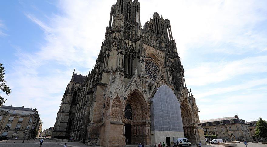 Gotik mimarinin başyapıtı Reims Katedrali