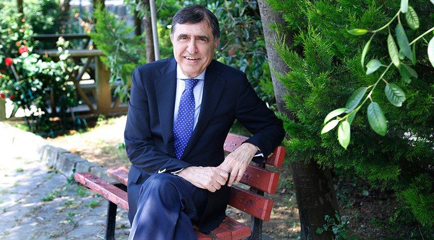 Ahmet Pura: Dijitaldeki kontrolsüz büyüme korkutuyor