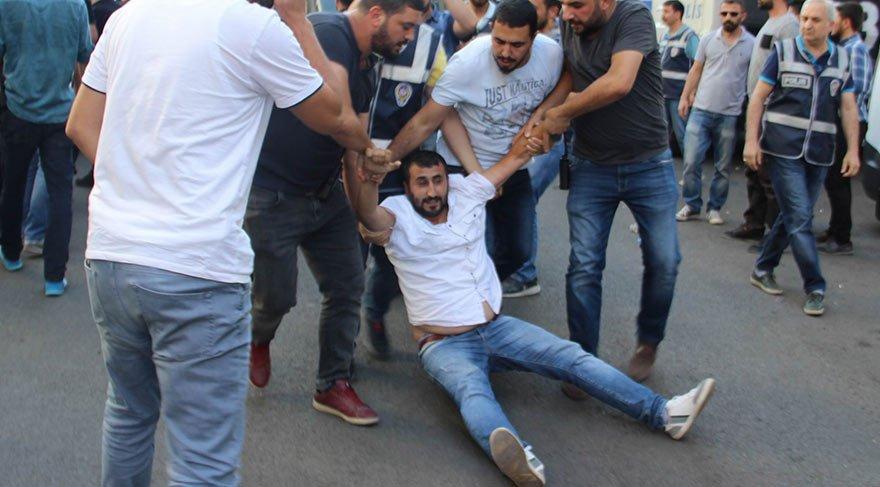 Memurlara polis müdahalesi: 32 gözaltı