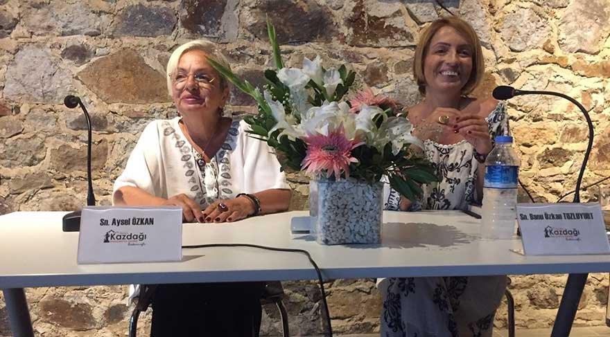 Yazar Banu Özkan Tozluyurt, annesi Aysel Özkan'la sanat için buluştu