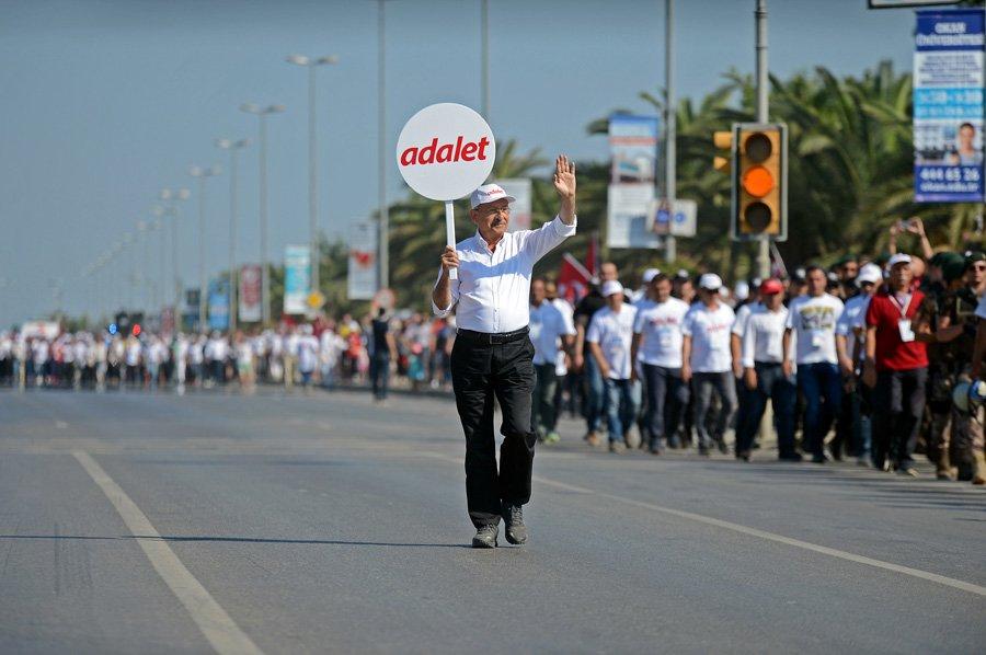 """FOTO:İHA -Kılıçdaroğlu """"Ama insanların adalete bu denli susadığını düşünmemiştim."""" dedi."""
