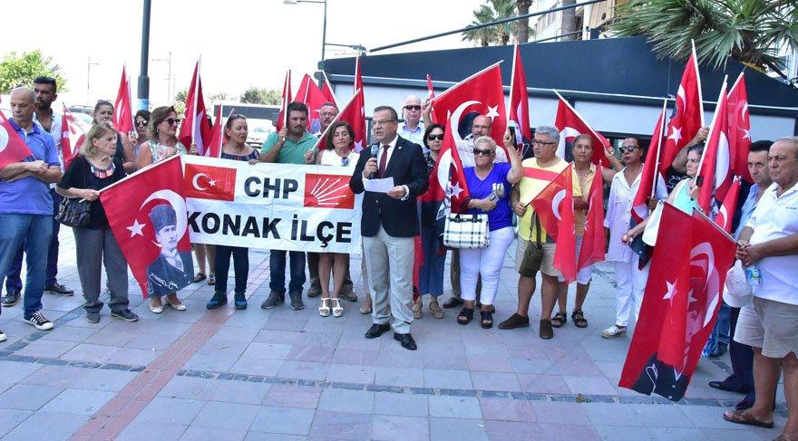 İzmir'de CHP'lilerden Ege Adaları tepkisi