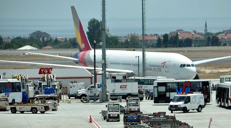 Güney Kore uçağı Atatürk Havalimanı'na acil iniş yaptı
