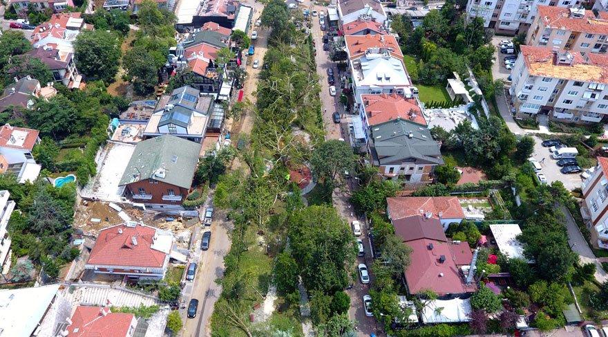 Koşuyolu Parkı'nda fırtınanın yıkımı havadan görüntülendi