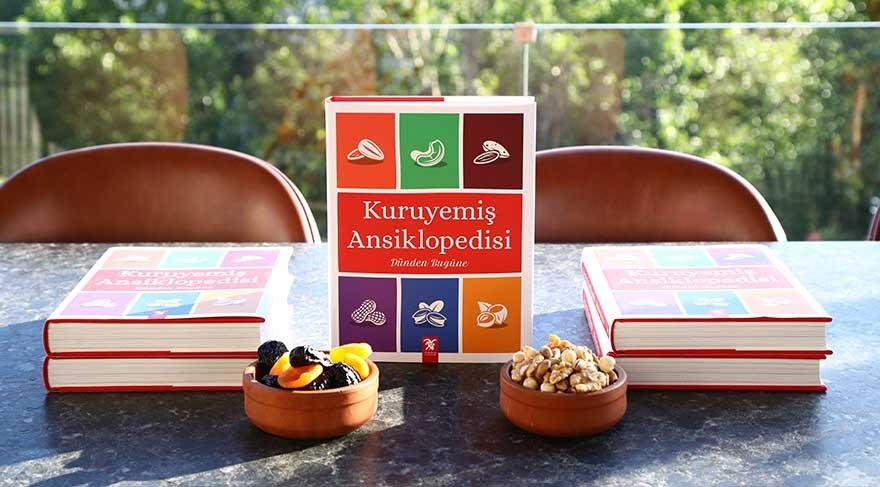 Türkiye'nin ilk 'Kuruyemiş Ansiklopedisi' raflarda