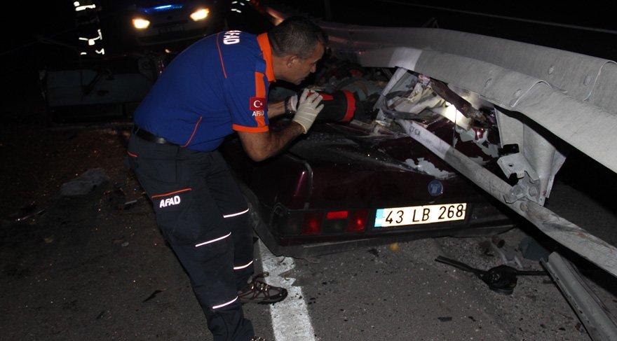 Mahkumları taşıyan araç kazaya yaptı: 3 ölü