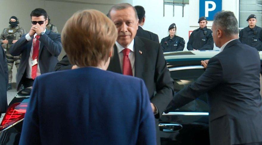 Erdoğan: Alman politikacılar meseleleri tırmandırıyor