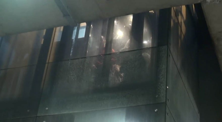 Taksim Meydanı'nda asansörde bunaltan 40 dakika…
