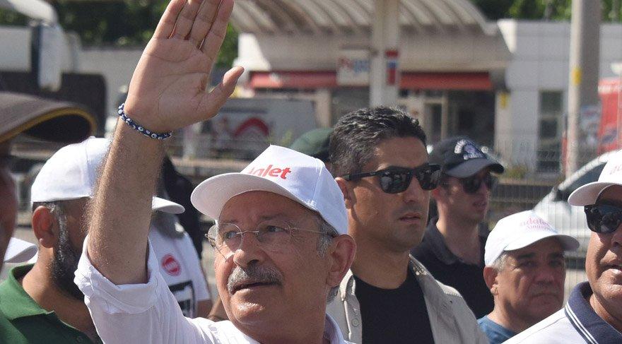 FOTO:SÖZCÜ - Yavuz ALATAN - Kılıçdaroğlu koluna, nazar boncuklu bileklik taktı.