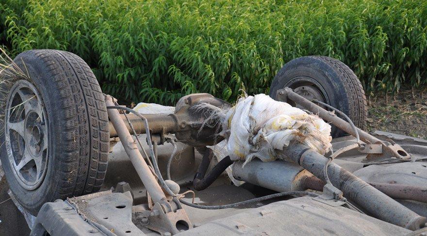 Şaftına patates çuvalı dolanan otomobil takla attı: 4 yaralı