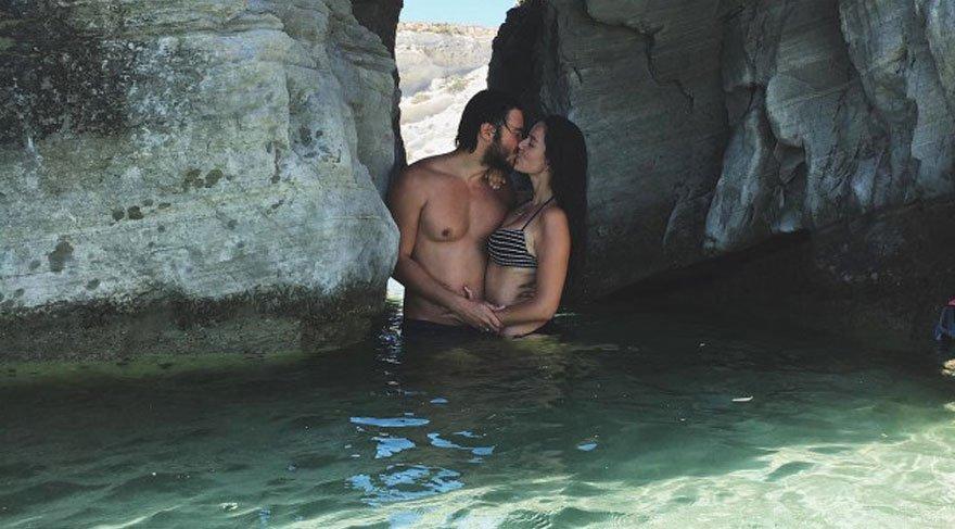 Pelin Akil eşi Anıl Altan ile birlikte tatilde