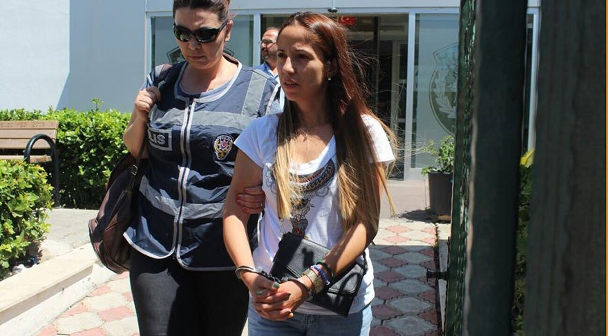 Antalya'da Iraklı kadının çantasını Bulgar hırsızlar çaldı