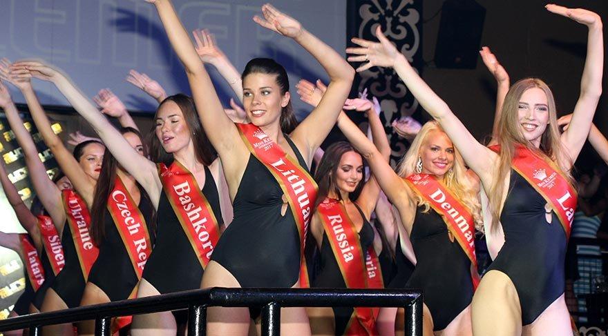 Çeşme'de güzellik yarışması finalistlerinin kampı sürüyor