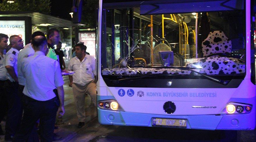 Belediye otobüsü durağa daldı: 5 yaralı