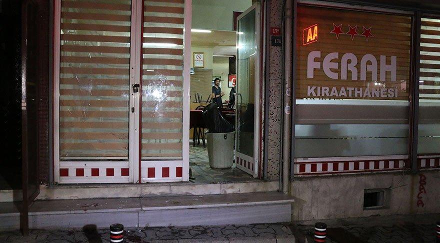 İstanbul'da kahvehaneyi taradılar: Yaralılar var