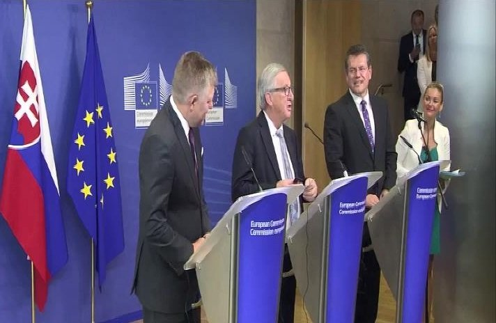 Merkel aradı, Juncker telefonu yüzüne kapadı