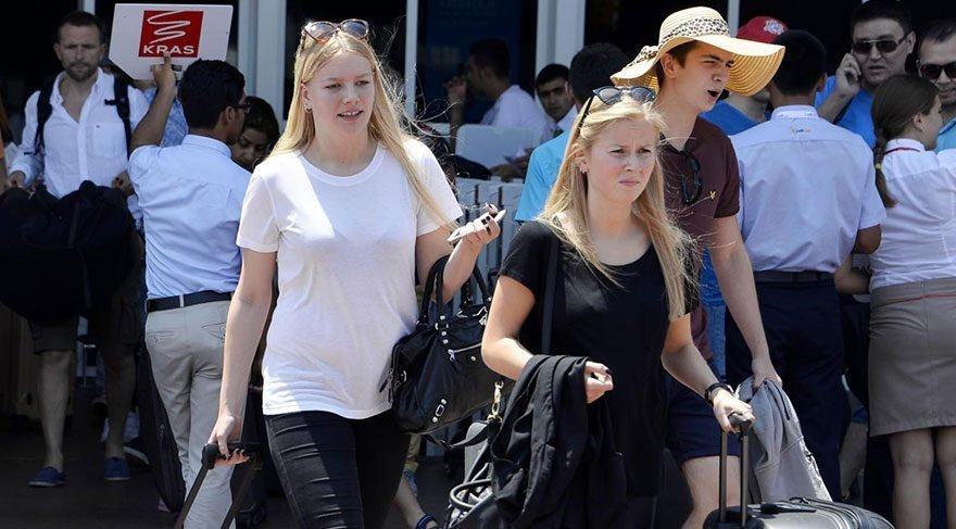 Rusya'dan gelen turist sayısı artarken Avrupa'dan gelenler azaldı