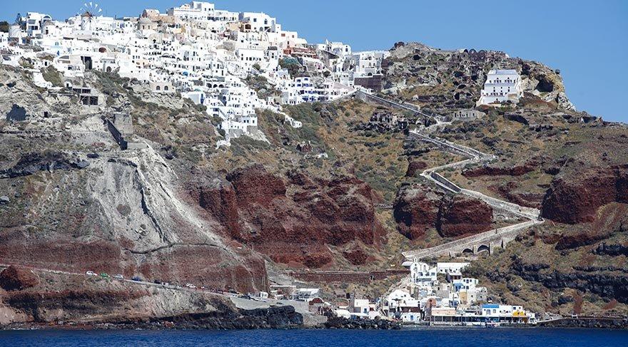 Volkanik Yunan adası Santorini