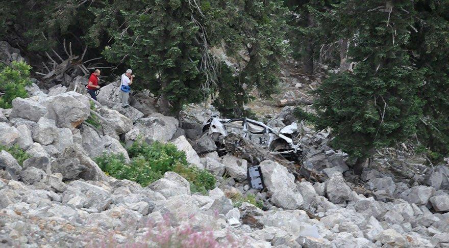 İki feci kaza: 4 ölü 6 yaralı