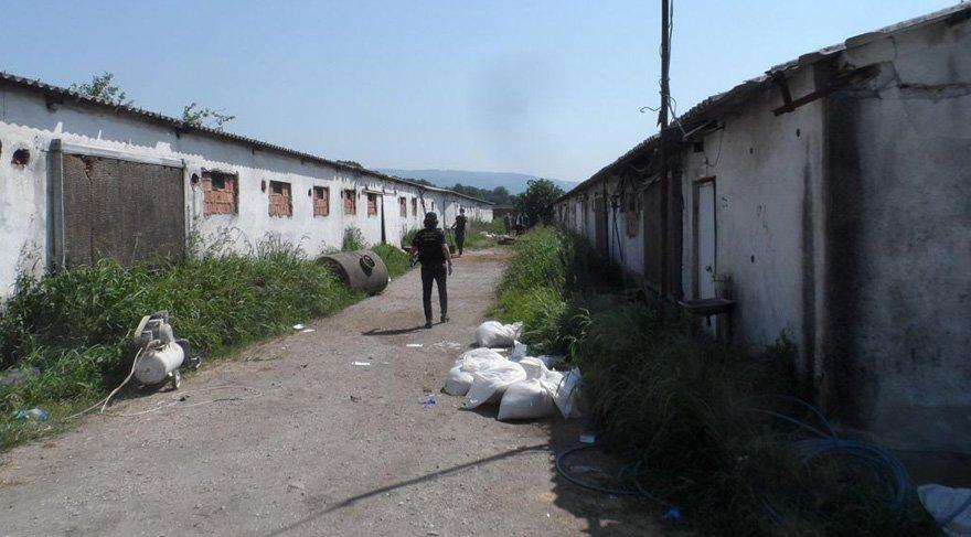 Sakarya'da zehir çiftliğine baskında 1 ton eroin ele geçirildi