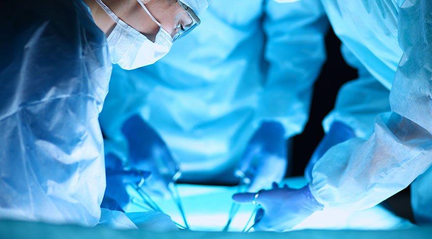 Doktorları bile şaşırtan bağırsak ameliyatı